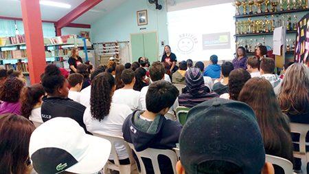 """Read more about the article """"Plante amor, colha esperança"""" jovens discutem com outros jovens depressão, suicídio e bullying"""