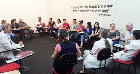 Profissionais do Hospital e Maternidade Nossa Senhora do Monte Serrat orientam sobre o coronavírus e elaboram estratégias para atendimento