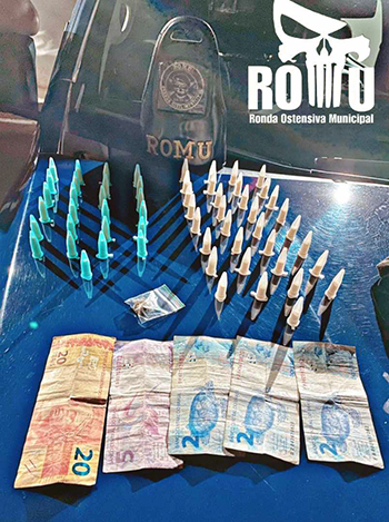 GCM prende 1 com várias armas no Marília e outro com drogas no Santa Cruz, em Salto