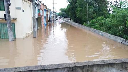 Tietê subiu 6 vezes acima do normal em Salto, segundo números da Defesa Civil