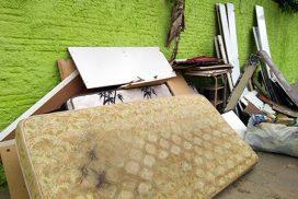 Famílias precisam de ajuda porque perderam tudo na inundação
