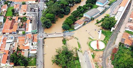 Ponte do Rio Jundiai, na Estação, deve ser interditada em breve