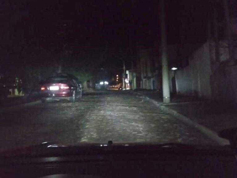 Read more about the article Morador do Bela Vista denuncia escuridão em via pública do bairro