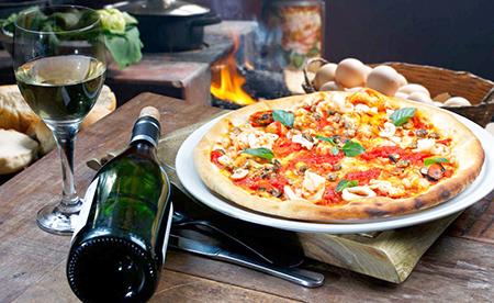 Dicas do Blog do Nelson Lisboa: para os dias frios, pizza e vinho!
