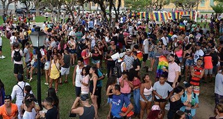 """Acompanhamos a VI Parada LGBTI de Itu: """"resistir para existir"""""""