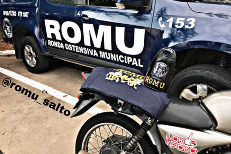 GCM de Salto persegue motociclista e o prende com muita droga na cueca