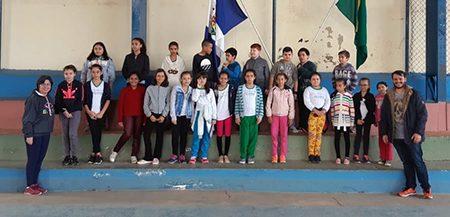 Read more about the article Escola Zezito completa 35 anos de fundação e alunos cantam seu hino em Libras