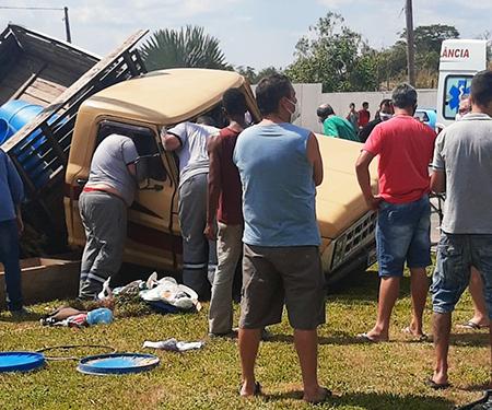 grave acidente na Rodovia da Convenção, após supermercado e perto do Guaraú