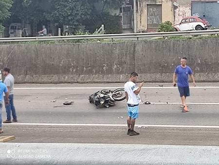 Colisão de motos deixa 2 feridos graves e 1 leve na chegada a Indaiatuba