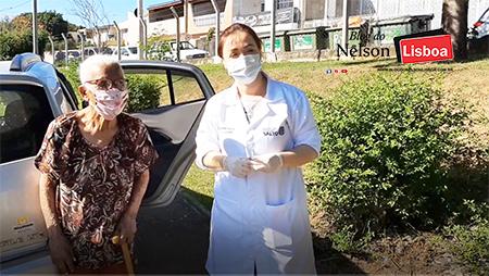 Vó Conceição, de 103 anos, recebeu hoje a vacina contra a Covid-19