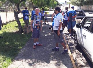 Torcida Máfia Azul dá show de solidariedade na Páscoa em Salto