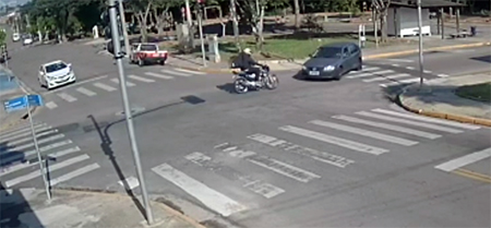 Jovem motoboy morre em acidente na Avenida das Bandeiras, categoria cobra rotatória no local