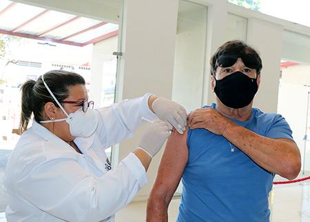 Você tem 60 anos? Sua hora de vacinar chegou