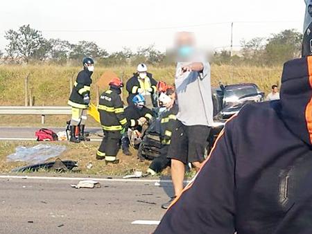 Read more about the article SP-75: acidente impressionante com 3 carros, 1 vítima fatal e duas em estado grave