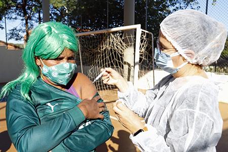 Read more about the article Moradores de rua de Indaiatuba são vacinados e recebem roupas e cobertores