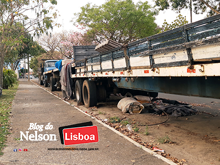 Read more about the article Até carretas sem uso são deixadas em vias públicas em Salto