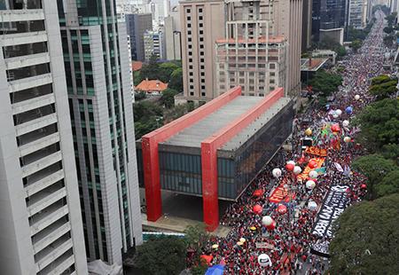 Read more about the article Saltenses e ituanos presentes em manifestações contra Bolsonaro enviam fotos ao blog